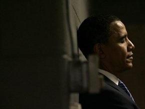 СМИ: Барака Обаму несколько лет сопровождает таинственный помощник