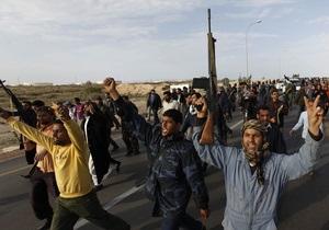 Ливийские повстанцы: Катар будет продавать нефть, а мы получим еду, топливо и медикаменты
