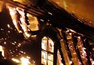 В Киеве в квартире на Подоле произошел пожар
