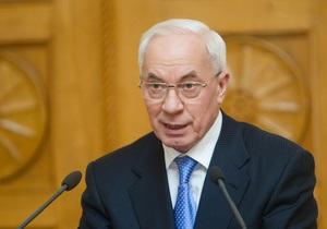 Азаров раскритиковал оппозицию за блокирование Рады