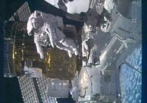 Астронавты NASA успешно завершили выход в открытый космос