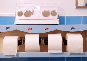 Немецкого депутата подозревают в краже 200 рулонов туалетной бумаги