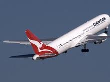 В Австралии авиалайнер совершил экстренную посадку: пострадали 40 человек