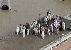 Жертвами наводнений в Пакистане стали 800 человек