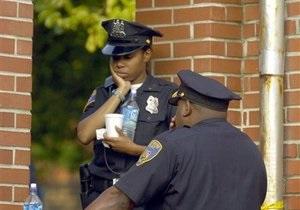 Полиция США ищет маньяка-обнимателя