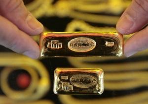 Мировые цены на золото резко снижаются из-за долгового кризиса в ЕС