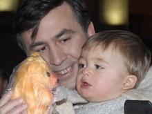 В Украину привезли детей Саакашвили