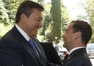 Янукович поздравил Кремль с успешным проведением выборов