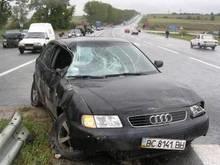 Во Львовской области водитель на Audi сбил инспектора ГАИ