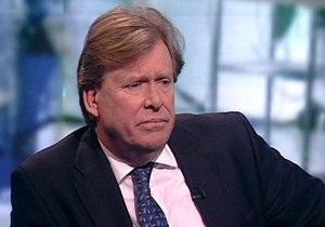Министр транспорта Британии уже три дня ездит на работу на общественном транспорте