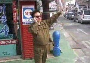 По улицам Сеула гуляет двойник Ким Чен Ира