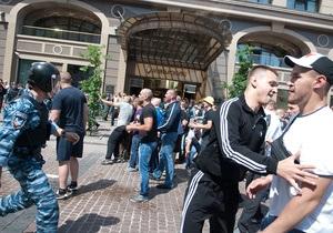 Журналисты - Титушко - митинг 18 мая - Помирившиеся с Титушко журналисты довольны  цивилизованным решением дела
