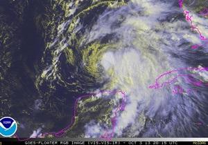 Тропический шторм Карен угрожает нефтедобытчикам в Мексиканском заливе