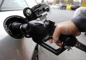 США можуть використовувати стратегічні запаси нафти для зниження цін на бензин