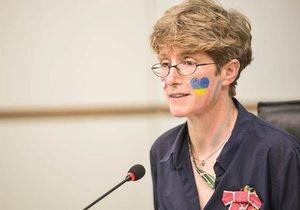 Британська правозахисниця від імені британців перепросила українців за матеріали про расизм