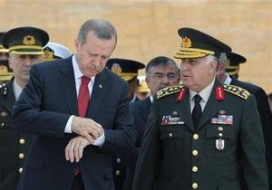 Война в Сирии - турецкие войска в Сирии: Власти Турции настаивают на скорейшем вторжении в Сирию