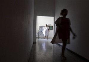 Новости Житомира - больница - медпомощь - пенсионерка - смерть - В Житомире медики не оказали помощь пенсионерке, умирающей на территории больницы