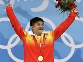 Китайский тяжелоатлет принес шестое золото команде