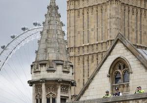 Художник покроет британский парламент латексом
