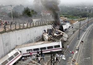 В железнодорожной катастрофе погибли 79 человек, около 130 получили ранения