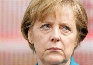 Спецслужбы США могли прослушивать телефон Меркель - агентство