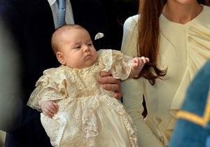 Спокойствие и пухлые щеки. Крестины принца Джорджа начались в Лондоне