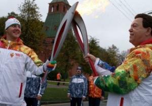 В России опровергли факт взрыва олимпийского факела в руках девочки