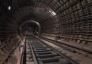 Московское метро - Новости Москвы - Погиб машинист - В московском метро машинист выпал из кабины поезда