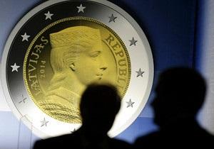 Еврозона - Латвия вводит евро вопреки протестам жителей