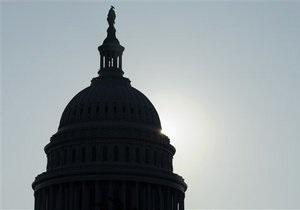 Сенат утвердил повышение потолка госдолга США