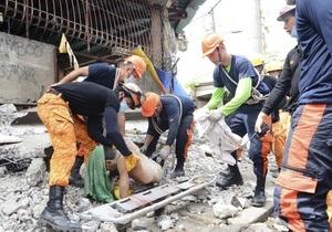 Число жертв землетрясения на Филиппинах превысило 30 человек и продолжает расти