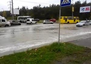 Я-Корреспондент: Прорыв теплотрассы в Киеве. Потоп в районе Дарницы