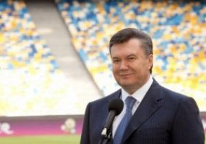 Янукович поздравил сборную Украины с победой над поляками