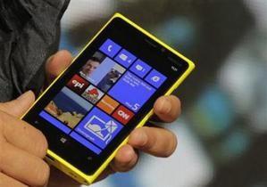 Microsoft стремится устанавливать Windows Phone как вторую ОС Android-смартфонов
