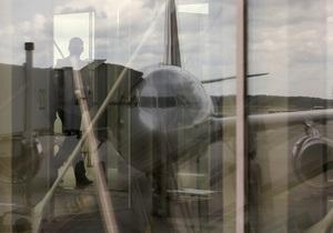 Пассажир рейса Москва - Шарм-аль-Шейх устроил дебош в самолете