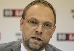 Лечение Тимошенко - помилование Тимошенко - Соглашение об Ассоциации: Власенко: Тимошенко будет требовать полной реабилитации