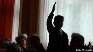 Дума может ограничить прием детей мигрантов в школы