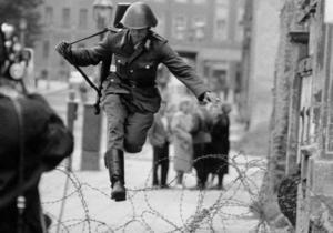 Германия - День воссоединения Германии: 10 самых невероятных побегов из ГДР