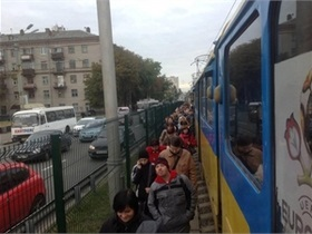 Новости Киева - скоростной трамвай - остановка - В Киеве не работает скоростной трамвай
