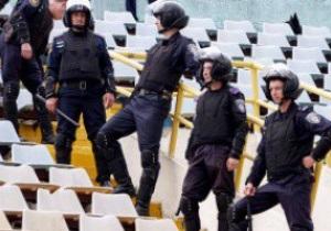 В ФФУ хотят вернуть милицию на стадионы