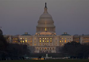 Сенат США отклонил законопроект об отсрочке реформы здравоохранения. Белый дом обвиняет республиканцев в  угрозах и вымогательстве