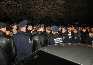 Новости Тернополя - ДТП - девушка - самосуд - В Тернополе водителя, сбившего 15-летнюю девушку, от самосуда спасла милиция