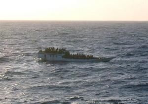У берегов Индонезии затонуло судно с беженцами, 20 человек погибли