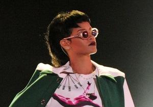 Модные прически-2013: Рианна делает ставку на ретро-стрижку маллет