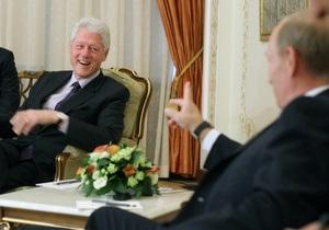 Клинтон заявил, что президенту России можно доверять: Путин очень умен