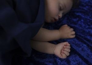 новости Одессы - дети - В Одессе женщина спасла младенца, брошенного на скамейке в парке