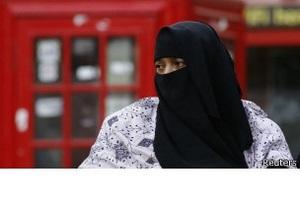 Четверть молодых британцев не доверяют мусульманам