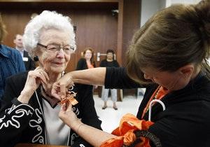 В США женщина закончила среднюю школу в возрасте 99 лет