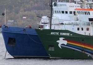 Среди задержанных на ледоколе в России активистов Greenpeace есть украинец