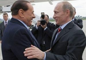 Путин: Берлускони судят за то, что он не гей
